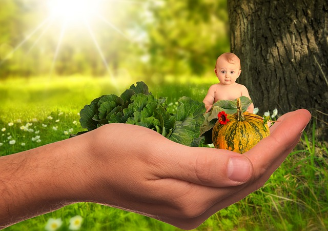 dítě na dlani