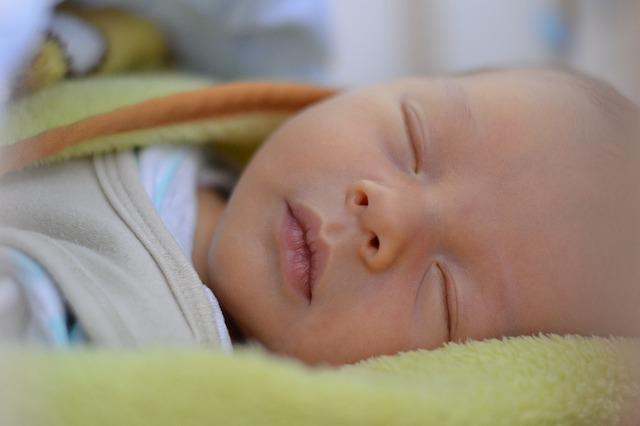 spánek novorozence