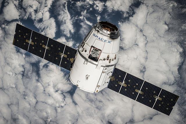 satelit nad Zemí