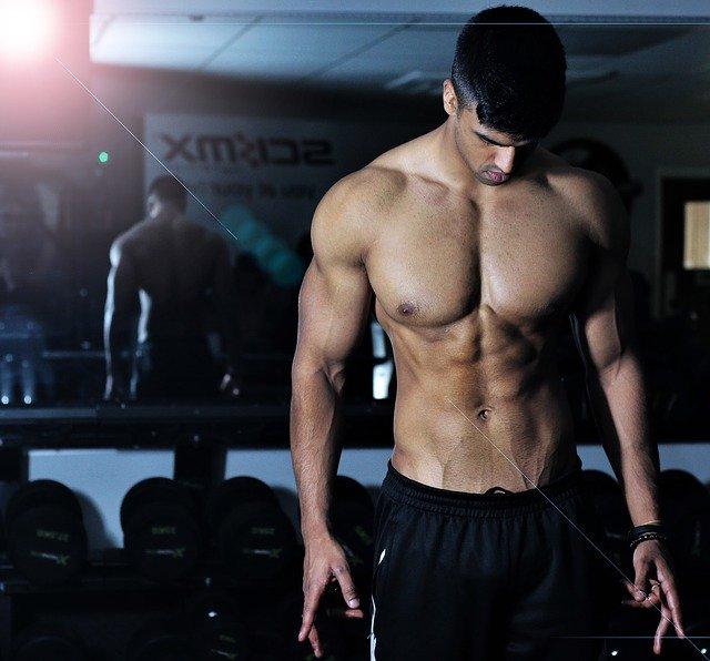 Ideální cviky na ploché břicho, při kterých se pořádně zapotíte
