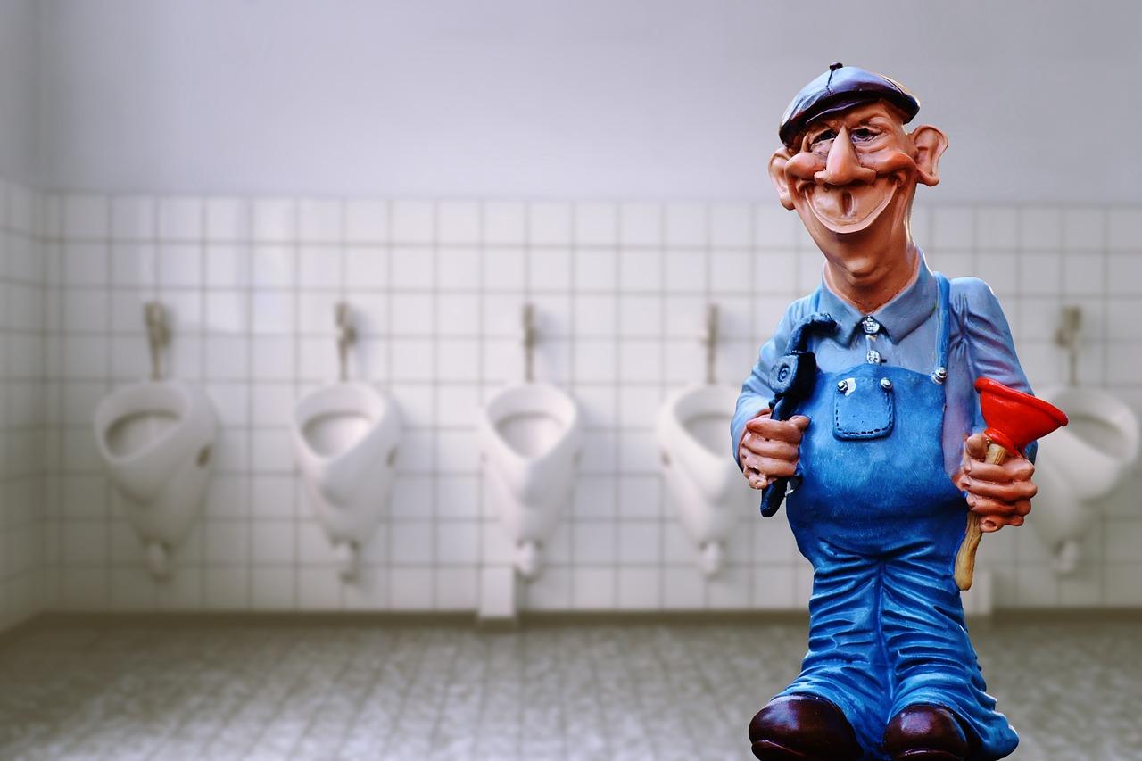 instalatér na záchodě